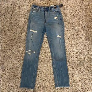 NWT Abercrombie High Rise Slim Jean